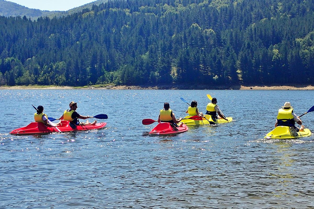 Canoa sul lago Arvo