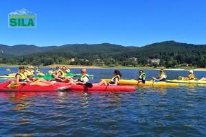 Canoe con sullo sfondo Lorica